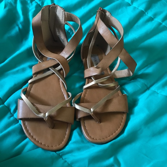 Steve Madden Other - Steve Madden sandals